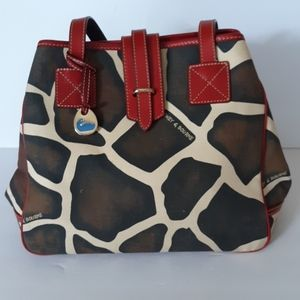 DOONEY & BOURKE GIRAIFF PRINT SHOULDER BAG